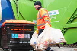 Hammersmith & Fulham Bin Men in Holiday Entitlement Row